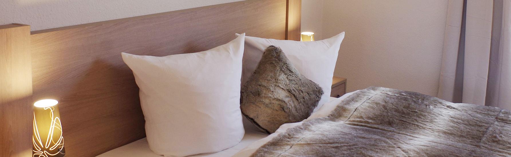 Ferienwohnung-Weißig-Garten-Schlafzimmer