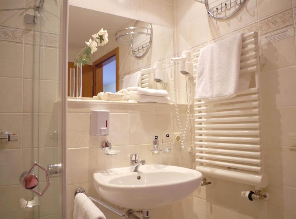 Komfort-Doppelzimmer-Bad